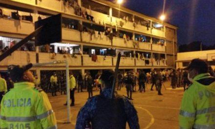 Mueren 23 presos y hay al menos 83 heridos tras motín en Colombia por miedo al Covid-19