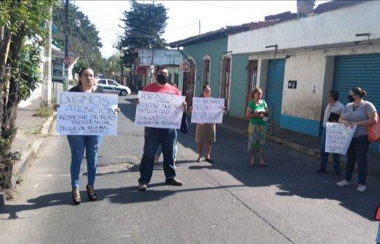 Empleados de la SEV delegación Coatepec demandan suspender labores