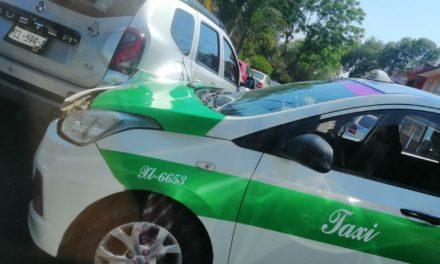 Accidente de tránsito sobre la avenida Encanto esquina con Calle Chapultepec en Xalapa