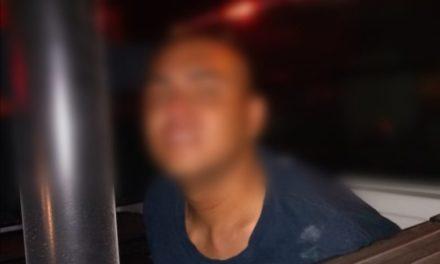 Joven apuñalado durante asalto en la avenida Chedraui Caram, policía Municipal capturó al agresor
