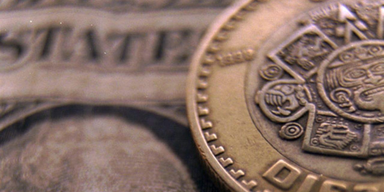 El dólar en ventanillas bancarias se vende al público hasta en 23.79 pesos