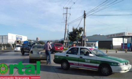 Choque en la carretera Las Trancas – Coatepec, a la altura del Aurrera