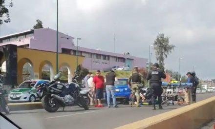 Motociclista lesionado sobre Circuito Presidentes, a la altura de Rébsamen