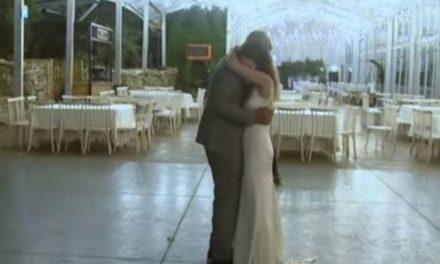 Por coronavirus, pareja celebra su boda sin invitados y la transmiten en vivo
