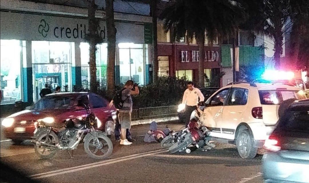 Motociclista lesionado en la avenida Manuel Ávila Camacho en Xalapa