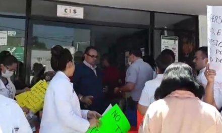 Trabajadores de jurisdicción sanitaria de Orizaba demandan insumos para enfrentar la pandemia