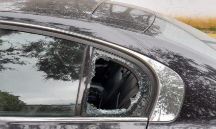 """Denuncian """"cristalazos"""" a vehículos en Las Ánimas de Xalapa"""