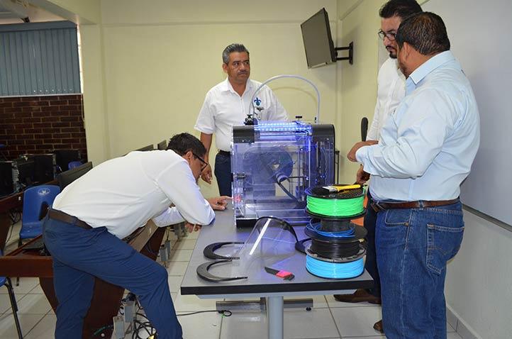 La impresora 3D permite construir objetos sólidos tridimensionales, sin necesidad de molde