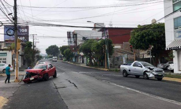 Choque sobre la avenida 20 de Noviembre, esquina calle Cempoala
