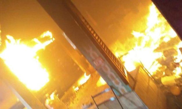 Se registra fuerte incendio en el Municipio de Emiliano Zapata