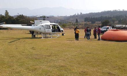 Continúa los trabajos para combatir incendio forestal en Maltrata