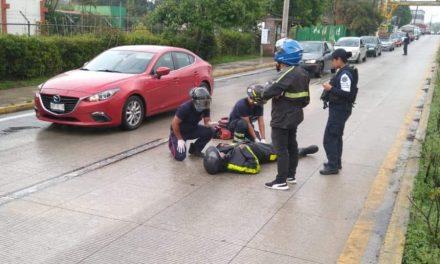 Motociclista lesionado en la carretera Xalapa-Coatepec