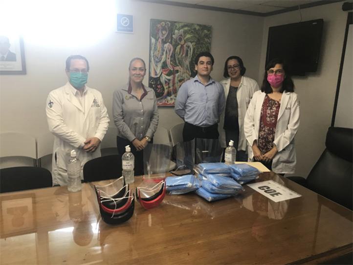 Entrega a la Secretaría de Salud en Veracruz de 600 mascarillas desechables de uso médic, 10 caretas protectoras y tres litros de alcohol en gel
