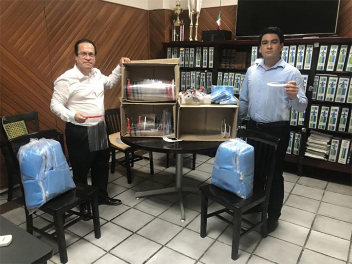 Entrega a la Unidad Médica de Alta Especialidad del IMSS de mil 700 mascarillas desechables de uso médico, 20 caretas protectoras y cinco litros de alcohol en gel