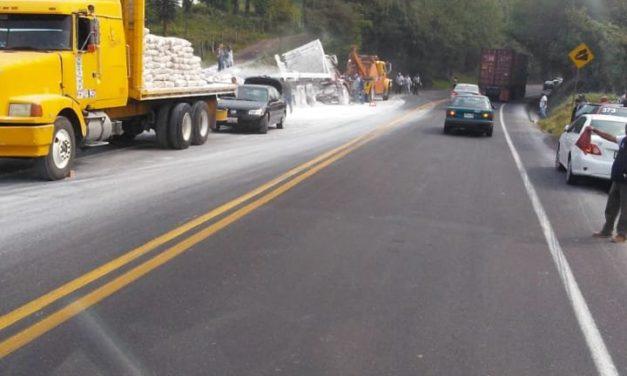 Accidente de tránsito en la Carr. Fed. Xalapa-Perote a la altura de la Localidad de San Miguel del Soldado