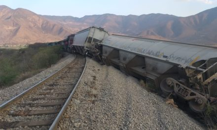 Se descarrila Tren carguero en el municipio de Acultzingo.