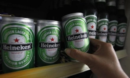 Heineken confirma que parará distribución de cerveza por coronavirus
