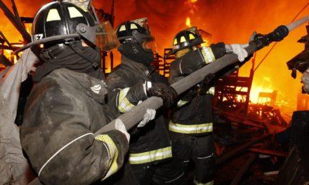 Mueren dos menores de edad en incendio del campamento en la Central de Abasto