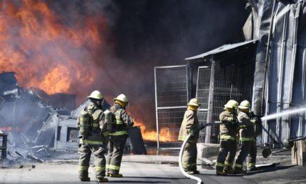 Video: Se registra fuerte incendio en fábrica de amortiguadores en El Salto Jalisco