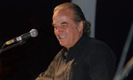 Muere Óscar Chávez tras ser internado por COVID-19