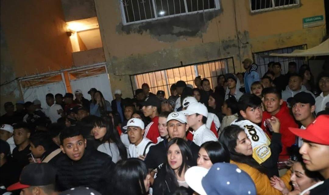 """Desalojan a jóvenes de fiesta en Ecatepec por no respetar el """"Quédate en casa"""""""