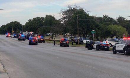Video:5 personas resultaron heridas durante un tiroteo en Texas en un parque en el que había 600 personas