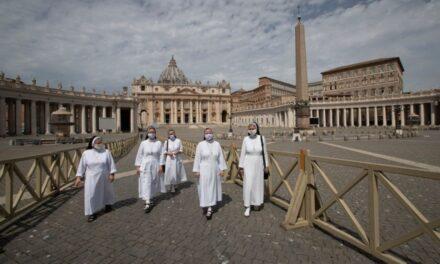 Después de más de dos meses cerrada, la Basílica de San Pedro, en el Vaticano, reabre sus puertas a visitantes