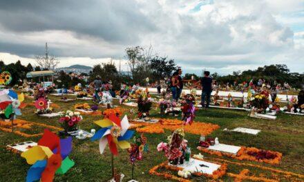 Ayuntamiento de Xalapa elimina el cobro en actas de defunción, así como servicios funerarios como la inhumación o cremación para quienes fallezcan a causa de la Covid-19