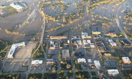Video: La ruptura de dos presas en Michigan provoca la evacuación de al menos 10,000 personas y graves inundaciones en un condado