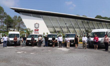 Entrega Gobierno de Veracruz vehículos adaptados para traslado de los grupos más vulnerables y serán entregados a los 212 municipios