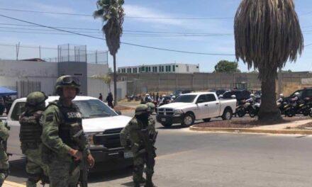 Riña en Puente Grande deja 7 personas muertas: 3 por arma de fuego y 4 por golpes. Son 9 lesionados. Hay 5 detenidos y dos pistolas aseguradas y un artefacto explosivo