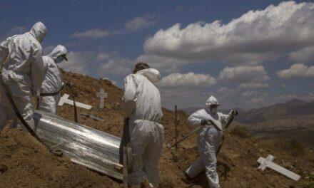 Así es un funeral por COVID-19 en Baja California, los ataúdes de personas que mueren por COVID-19 no se pueden abrir