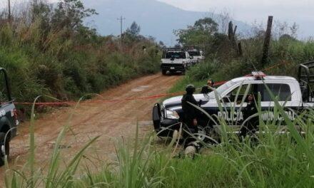 Localizan mujer sin vida a un costado de la autopista Córdoba-Veracruz, a la altura del municipio de Amatlán