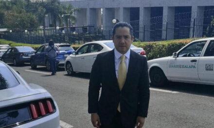 Fernando Herrera Escobar Maestro en Derecho, se presenta como aspirante a Fiscal General del Estado