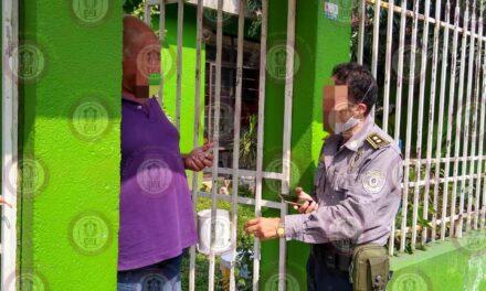Entrega IPAX cartera olvidada en autobús, en Córdoba