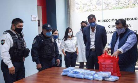 RECIBE POLICÍA MUNICIPAL CUBREBOCAS DONADOS POR OXXO