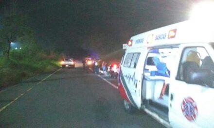 Dos personas lesionadas en el libramiento de Coatepec