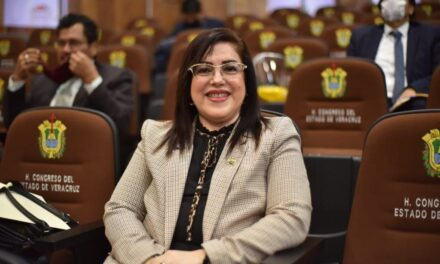 Con recorte a partidos políticos tendremos un Veracruz más próspero: Rosalinda Galindo