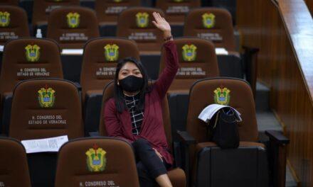 Avalan diputados reformas que sancionan a quien agreda a personal de salud
