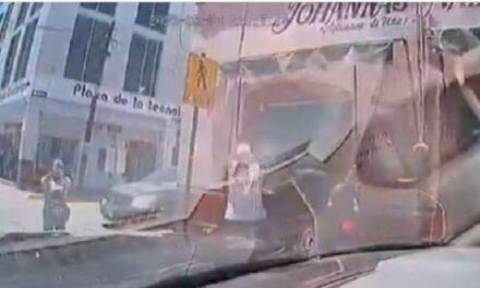 VIDEO: Filtran fuertes imágenes de la agresión armada a policías en Zacatecas, oficiales resultaron ilesos.