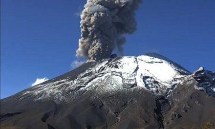 Popocatépetl cierra el fin de semana con 440 exhalaciones y 147 minutos de tremor