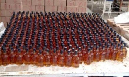 Caen 3 por venta de alcohol adulterado en Puebla; van 104 intoxicados