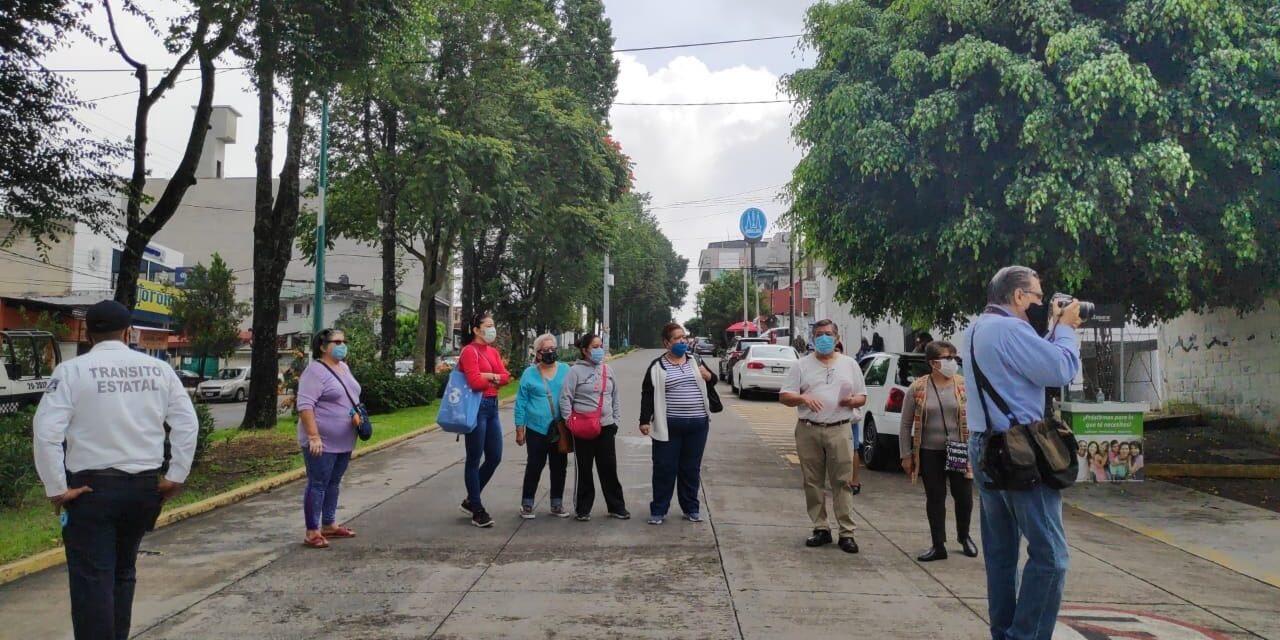 Se manifiestan derechohabientes del ISSSTE de Xalapa, por la escasez de medicamentos