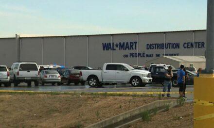 Al menos 2 muertos y 4 heridos deja tiroteo en instalaciones de Walmart en California