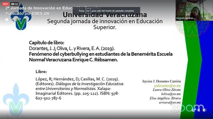 Jeysira Dorantes, del Centro de Estudios de Género de la UV, abordó en el libro el tema del cyberbullying