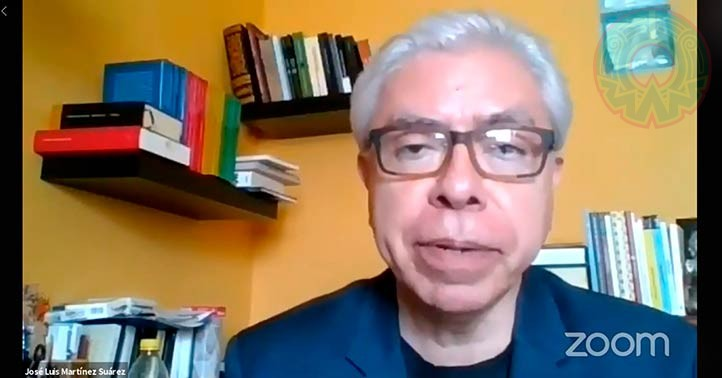 José Luis Martínez Suárez, director general del Área Académica de Humanidades, clausuró el foro