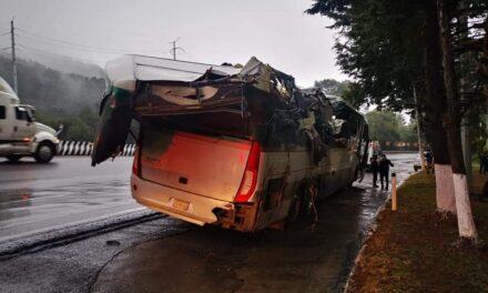 Lluvia provoca accidentes en la carretera México-Toluca, dos personas pierden la vida