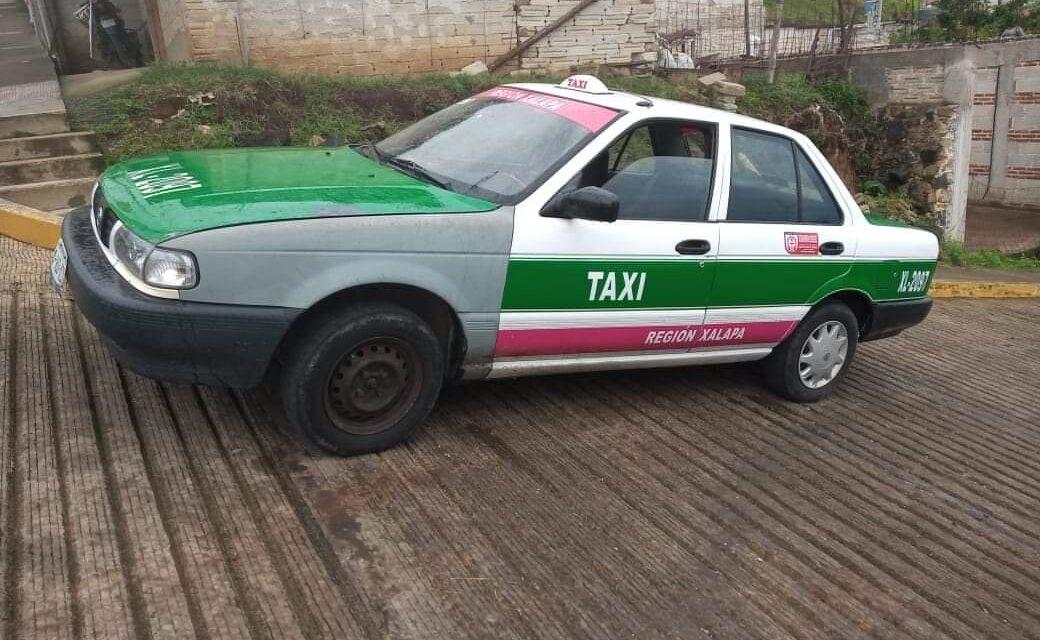 Localizan taxi donde viajaban presuntos asesinos de la paramédico asesinada esta mañana en Xalapa
