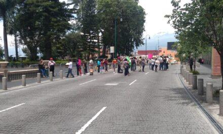 Comerciantes cierran nuevamente el centro de Xalapa
