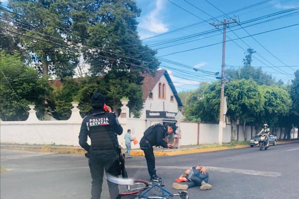 Ciclista es arrollado en la avenida 20 de Noviembre en Xalapa